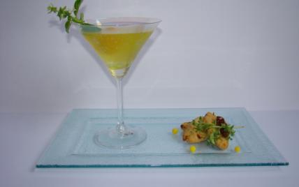 Cocktail passion mimosa, et petites navettes provençales - Photo par Sandrine Baumann