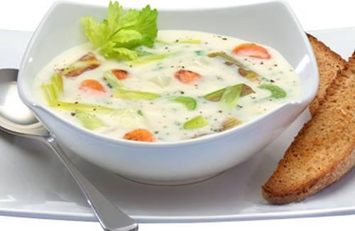 Soupe de poireaux aux pommes de terre, thym et Philadelphia - Photo par Philadelphia