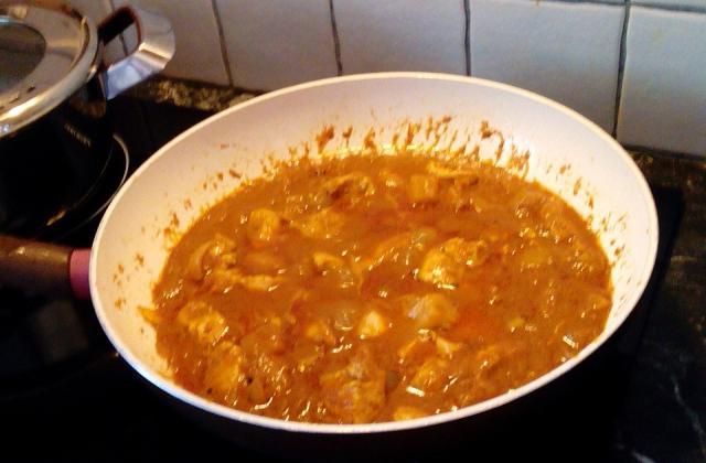 Poulet au curry et à l'ananas - Photo par desaiv