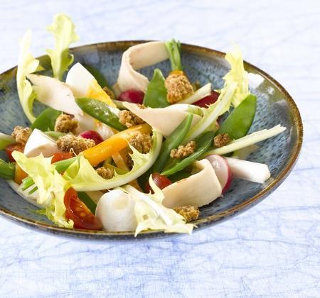 Salade de poulet et crumble au pain d'épices - Photo par Bridelight
