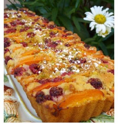 Gâteau moelleux aux abricots et aux framboises - Photo par lucile00