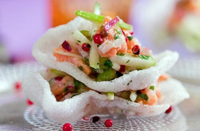 Tartare de saumon au gingembre avec radis et pomme verte - Photo par candy301