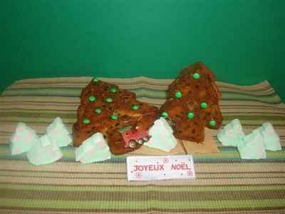 Sapins de Noël au jus de clémentine et pépites de chocolat - Photo par Sandrine Baumann