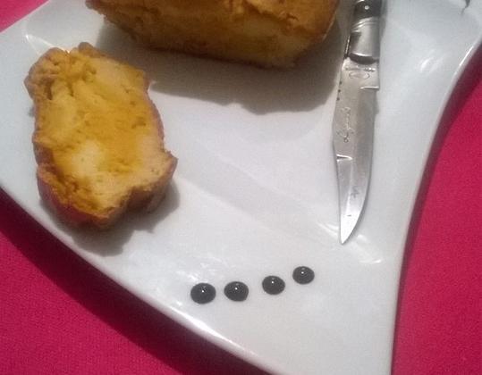 Le cake marbré salé au safran, poisson et carotte - Photo par Adri74