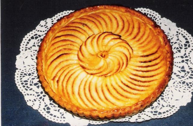 Tarte aux pommes enrichie de crème ou de compote - Photo par Maurice.B