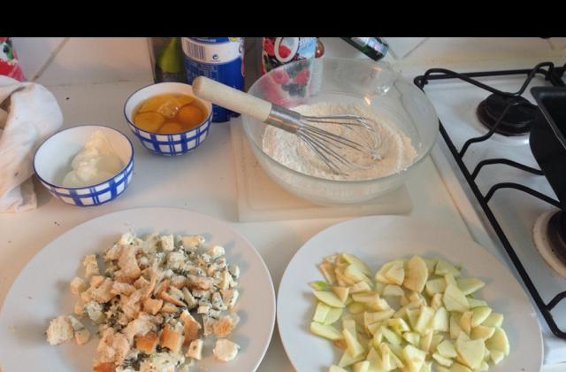 Cake aux pommes et roquefort - Photo par mtresaO