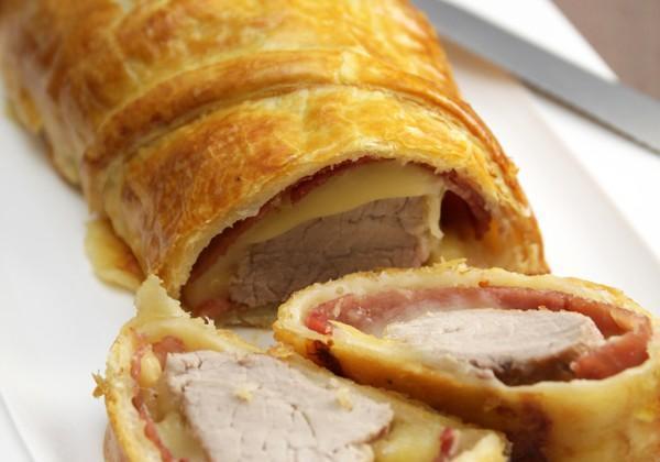Filet mignon de porc en croûte, bacon et fromage à raclette - Photo par Quiveutdufromage.com