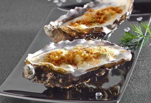 Huitres à la crème d'asperge et safran, gratinées au roquefort - Photo par Light to me