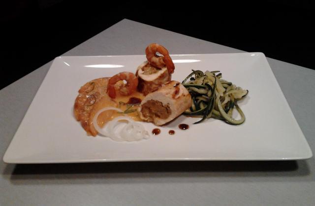 Suprêmes de volaille au kaki et salade fraîcheur de courgettes - Photo par Laure M.
