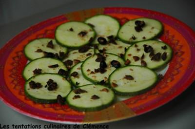 Carpaccio de courgettes, 'bœuf séché végétarien', graines de soja au bon goût de sésame - Photo par hayatc