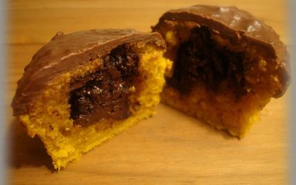 Muffins au potimarron, coeur et glaçage au chocolat - Photo par annecoK