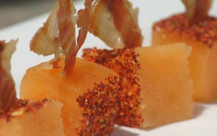 """Pâte de melon de Lectoure-Nérac au piment d""""Espelette et croustillant de jambon de Bayonne - Photo par AAPrA"""