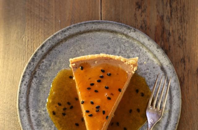 Cheesecake au chocolat au lait et au fruit de la passion - Photo par nanoudK