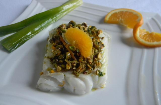 Dos de cabillaud à la vapeur d'orange, pistaches, mousseline de topinambours, vinaigrette orange pistache - Photo par sophie