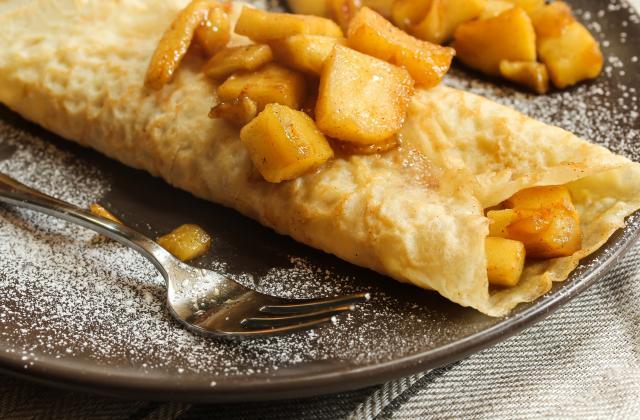 Crêpes aux pommes et caramel beurre salé - Photo par 750g
