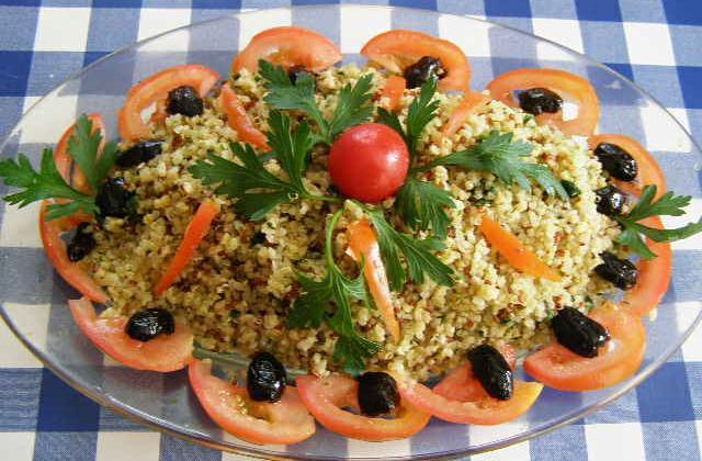 Quinoa  gourmand en salade - Photo par findv