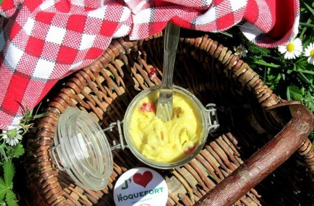 Pâte à tartiner au roquefort et Laguiole, cranberries, pistaches - Photo par nadasto
