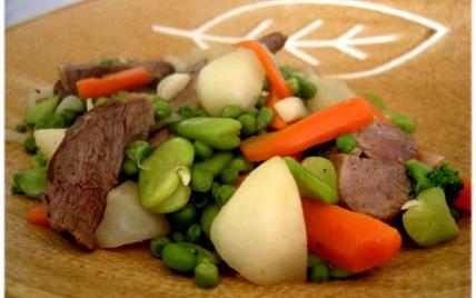 Jeunes légumes sautés au wok et émincé de canard - Photo par Manuela S.