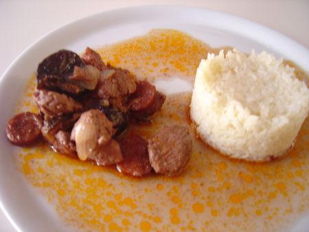 Filet mignon de porc au vin rouge chorizo et aux pruneaux - Photo par darton
