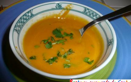 Velouté maison de carottes au miel et à la coriandre - Photo par Sofigourmande