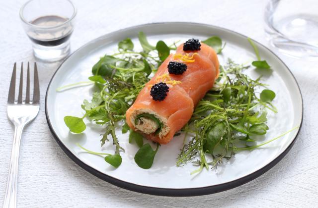 Mini bûches salées au saumon fumé et fromage frais - Photo par Silvia Santucci