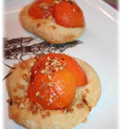 Mini pizza abricots, miel et amande - Photo par sophieleb