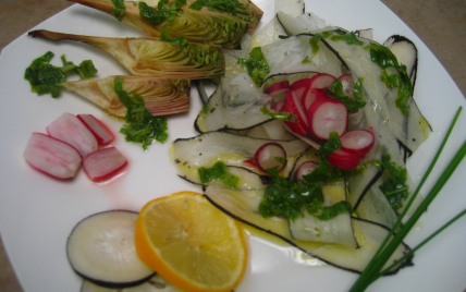 Salade détox légumes primeurs et vinaigrette aux fanes - Photo par dounia
