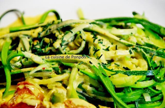Tagliatelles de courgette et brochettes à la sauce moutarde - Photo par Ponpon