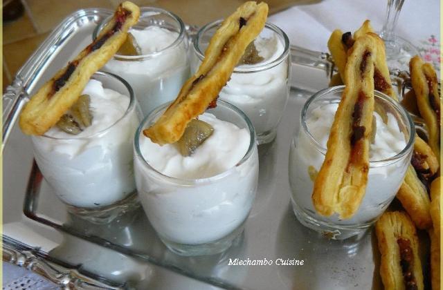Creme de roquefort au gingembre confit, fingers feuilletes à la figue - Photo par miecha