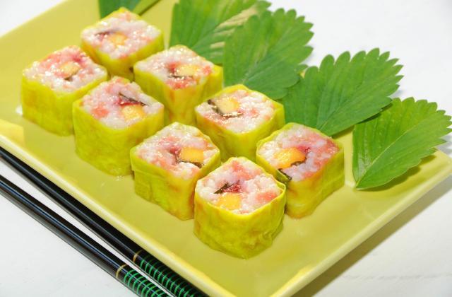 Maki sushis fraise pamplemousse - Photo par isa-marie