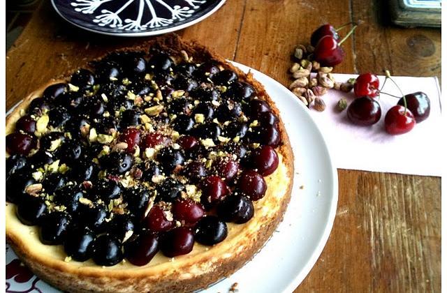 Cherry cheesecake, pistaches et sirop d'orgeat - Photo par zazazsu