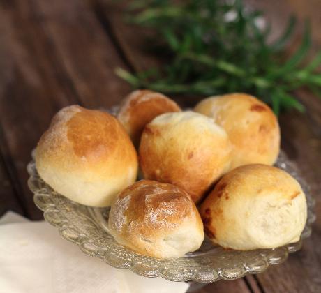 Briochettes apéritives aux abricots secs farcis au roquefort - Photo par nanoudK