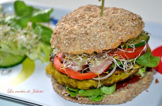 Burger végétarien - Photo par Les recettes de Juliette