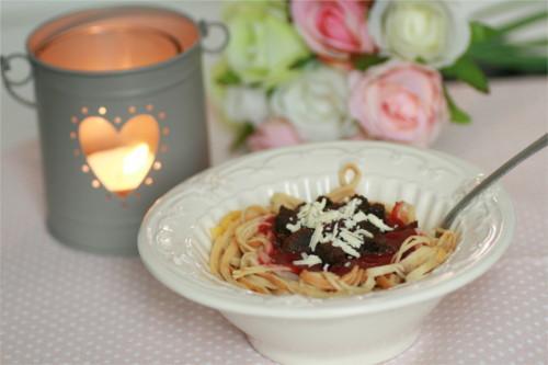 Spaghettis de crêpes à la bolognaise de fraises et brownie - Photo par Sabrina_Zekitchounette