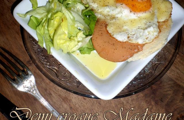 Tartine demi croque Madame élégante au foie gras - Photo par La petite cuisine de Sabine