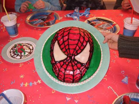 Gâteau anniversaire Spiderman - Photo par audphi