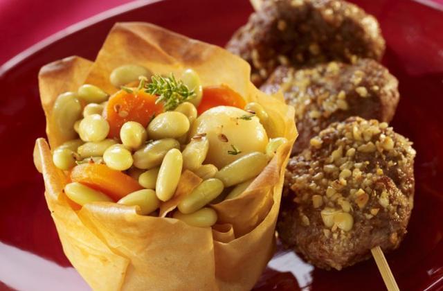 Petits steaks de canard et jardinière saupoudrés de Gomasio - Photo par Cassegrain