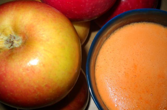 Jus de pommes et carottes - Photo par jojo68
