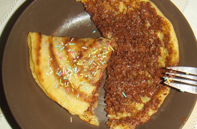 Recette crêpes épaisses au Nutella ou au miel - Photo par jeyyda