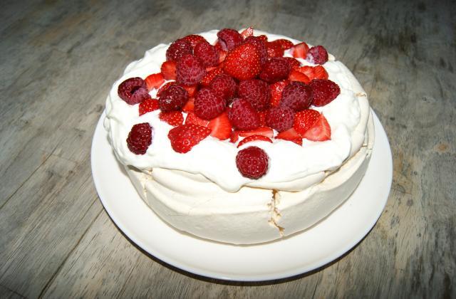 Pavlova aux fruits rouges.... d'été ! - Photo par ClementC