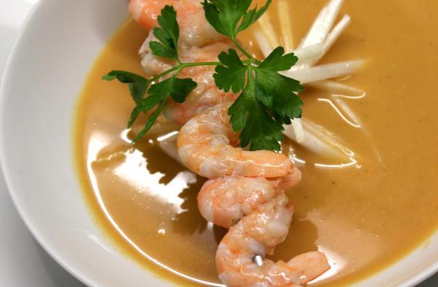 Soupe de crevettes et asperge - Photo par t00000