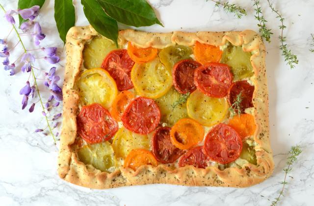 Pizza rustique à la tomate et au thym - Photo par Nadia Paprikas
