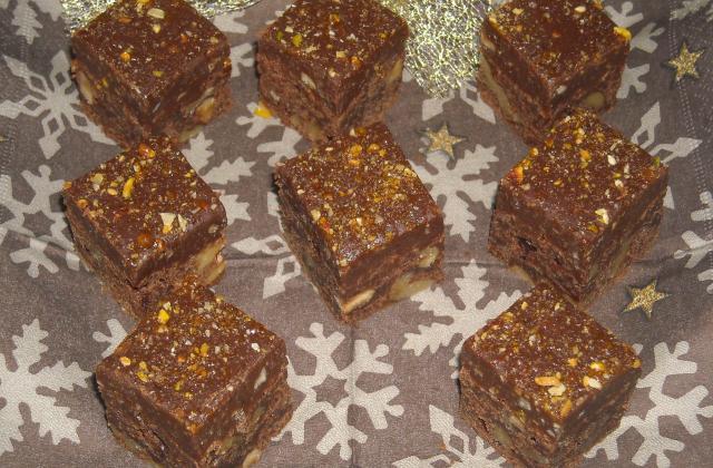 Brownies au 3 chocolats et sa ganache au eclats de nougatine - Photo par jlauree
