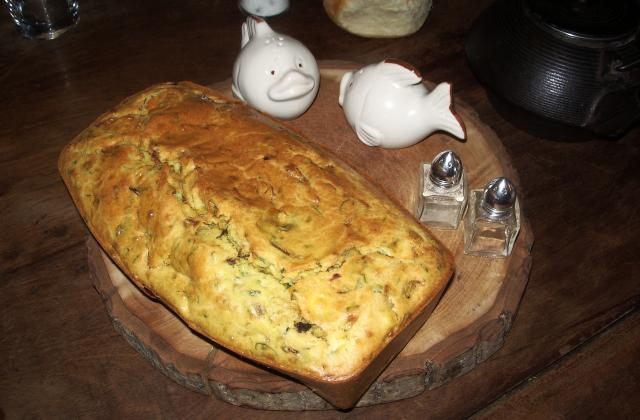 Cake aux oignons, ricotta et aux herbes - Photo par jujuth