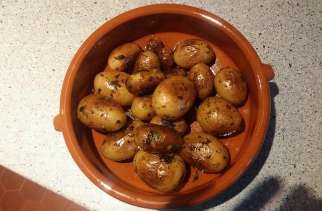 Pommes de terre grenailles sautées au persil et à l'ail - Photo par juju60350
