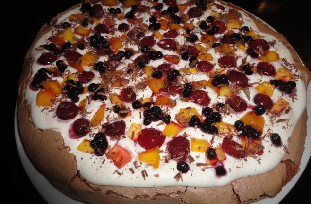 Pavlova au chocolat et aux fruits - Photo par A Prendre Sans Faim