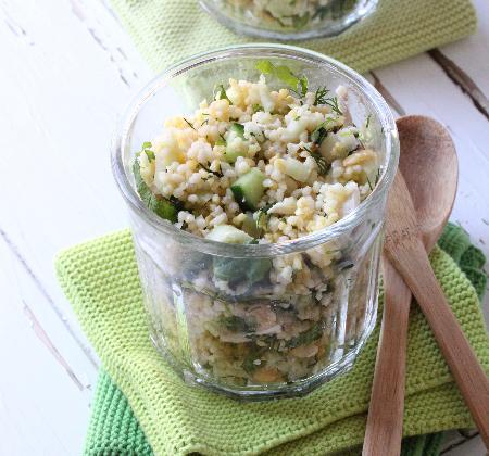 Salade de céréales au poulet et aux légumes - Photo par nanoudK