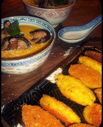 Velouté de potiron, lait de coco, shiitakés et beignets de crevettes - Photo par La petite cuisine de Sabine