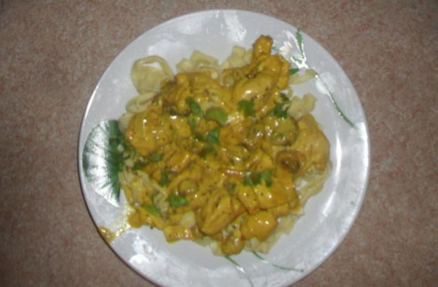 Tagliatelles au poulet et curry - Photo par nioumaM
