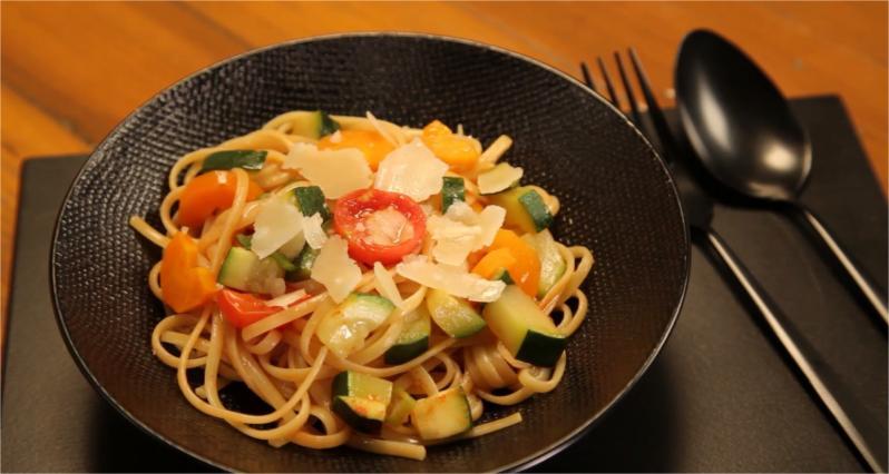 """Diaporama """"20 recettes faciles SANS viande"""" - One pot pasta"""